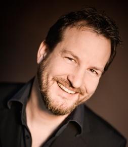 René Wüthrich - Senior Consultat bei media BROS 17 Jahre Erfahrung in Online Media Planung.